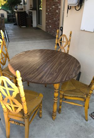 Dining table for Sale in Stockton, CA