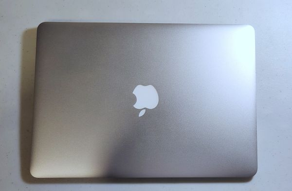 "Certified Refurbished Macbook Air 13"" Bundle"