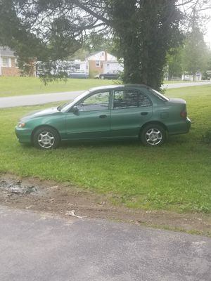 Hyundai Accent 98 for Sale in Clinton, MD