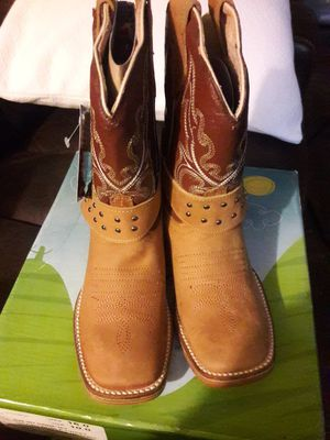 Girl New boots. Size 10 for Sale in Stickney, IL