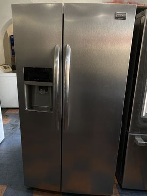 Frigidaire gallery side by side refrigerator stainless for Sale in Costa Mesa, CA