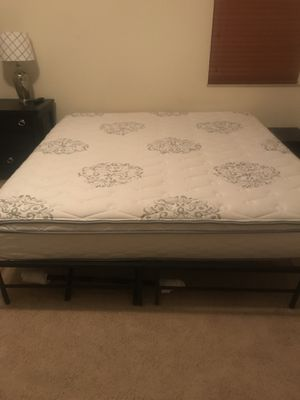 King serta mattress for Sale in Fairmont, WV