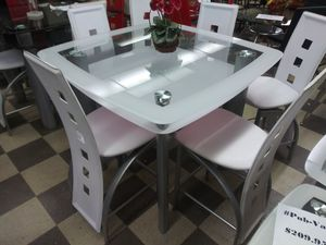 Dining table with four chairs brand new free delivery for Sale in Miami, FL