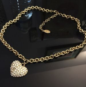 Guess fashion necklace. for Sale in Luling, LA