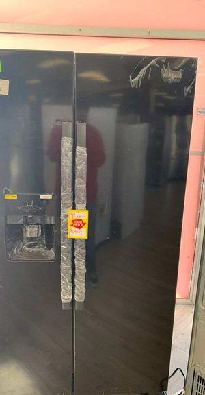 BRAND NEW WHIRLPOOL WRS325SDHB REFRIGERATOR D6 for Sale in Houston, TX