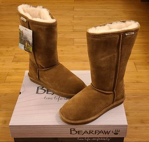Bearpaw Tall boots size 7 and 8 for Women. for Sale in Paramount, CA