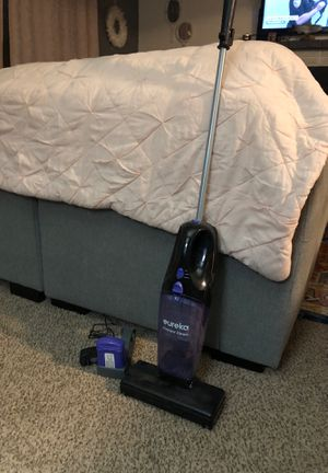 Eureka cordless vacuum cleaner for Sale in Federal Way, WA