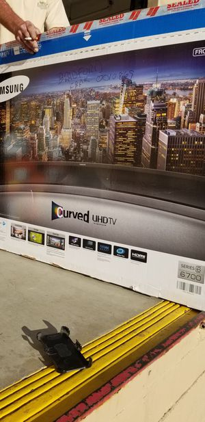 SAMSUNG 55 IN. CURVED 4K SMART TV for Sale in Imperial Beach, CA