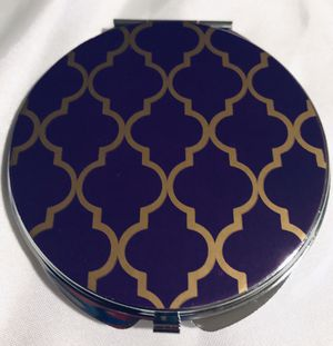 Beautiful jeweled and designed compact bounce sided mirror for Sale in Silver Spring, MD