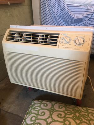 Air condition size 19.5inches long 5,000 bt for Sale in Cudahy, CA