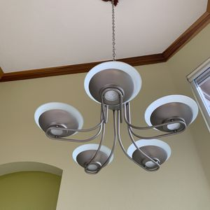 Chandelier with Dark stain medallion for Sale in Fort Lauderdale, FL