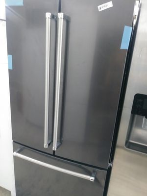Kitchen Aid french door in dark stainless for Sale in HUNTINGTN BCH, CA