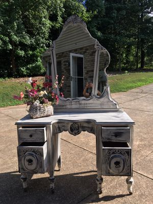 Refinished distressed gorgeous vanity for Sale in Mooresville, NC