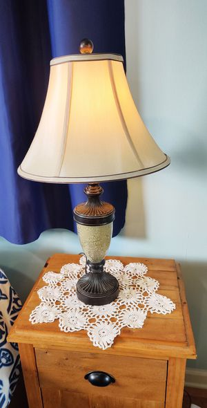 Vintage Pair of Table Lamps for Sale in Cedarhurst, NY