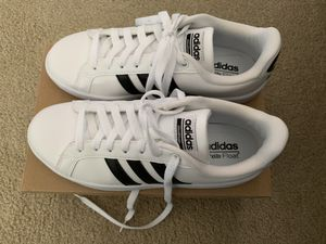 Adidas Women Size 7.5 for Sale in Snohomish, WA