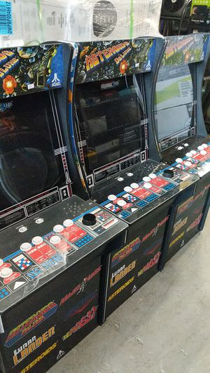 Arcade Atari 4ft tall with 6 games for Sale in Lighthouse Point, FL