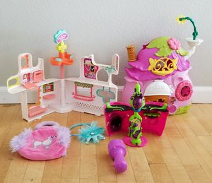 Tinkerbell Cottage House Playset + Littlest Pet Shop set + new hairband & purse for Sale in Rancho Cucamonga, CA