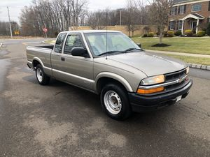 2002 CHEVY S10 5 SPEED!! ONLY 160K!! CLEAN TITLE!!! GOOD CLUTCH!! DRIVES GREAT!! for Sale in Laurel, MD