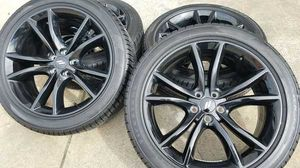 20inch Dodge charger R/t tires and rims for Sale in Clinton, MD