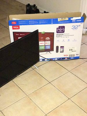 "32"" TCL Roku Smart Tv for Sale in Maywood, IL"