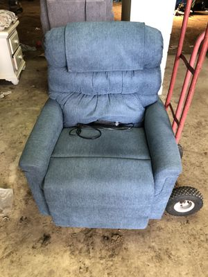 Lift Recliner for Sale in Greenville, PA