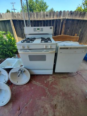 Kenmore gas stove and Dish washer ,double Sink with faucet and 3 hand basin for Sale in Fresno, CA