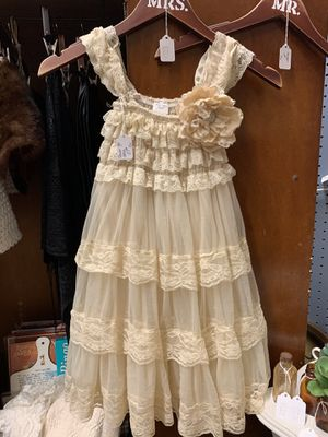 Lace formal/flower girl dress sz5-6 for Sale in Cumming, GA