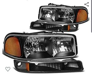 Head lights chevy 00 to 02 for Sale in Los Angeles, CA