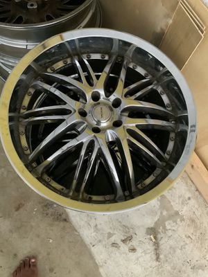 4 Verde Madonna V56 Chrome 28 inch Rims for Sale in Tamarac, FL