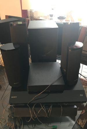 Sony Blu-ray DVD and 3D surround system for Sale in Charles Town, WV