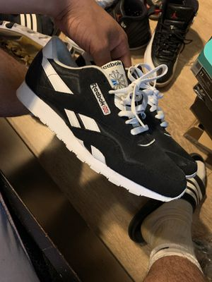Reebok classic for Sale in Bell Gardens, CA