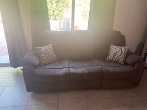 Brown Recliner Couch! Reclines from both corners. for Sale in Indio, CA
