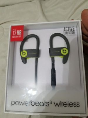 Wireless powerbeats 3 ear buds for Sale in Cleveland, OH