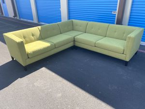 BEAUTIFUL EXCELLENT CONDITION SECTIONAL COUCH DELIVERY AVAILABLE for Sale in Las Vegas, NV