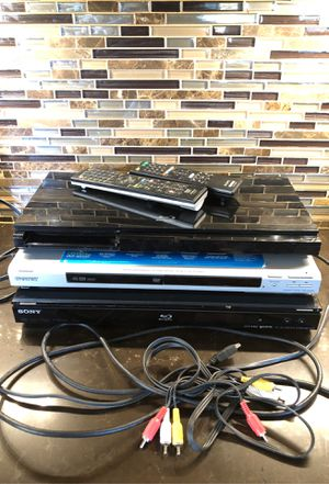 3 Sony CD DVD & blue-ray player bundle + 2 remotes for Sale in Las Vegas, NV