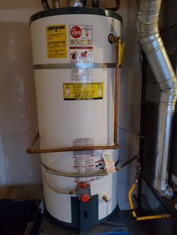 Gas Hot Water Heater Tank 75 Gallon In Issaquah 2013 for Sale in Sammamish,  WA