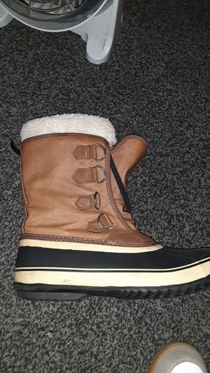 Thermalight work boots with removable foxfur insole for Sale in Bellflower, CA