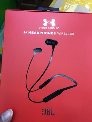 Under armour bluetooth wireless headphones and wireless ear buds for Sale in Pamplin, VA