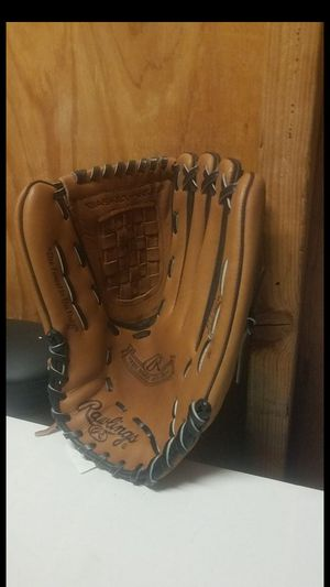 "Rawlings softball glove, 12.5"" for Sale in Whittier, CA"