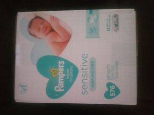 Pampers sensitive baby wipes 576 count for Sale in Santa Ana, CA