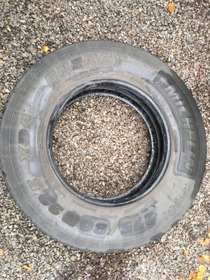 5 Tires Michelin XDA Energy 275/80R22.5 for Sale in Bothell, WA