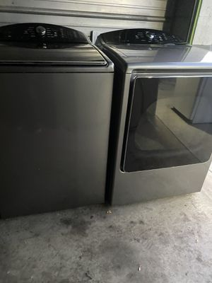 Beautiful Kenmore washer and dryer set for Sale in Santa Ana, CA
