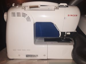 Singer sewing machine for Sale in Little Rock, AR