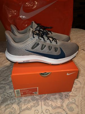 MENS NIKE QUEST BRAND NEW SIZE 9 and 10 ONLY ASKING $70 for Sale in South Gate, CA