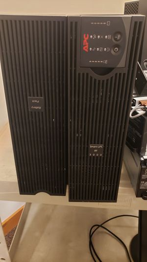 Smart UPS RT 3000 with Battery Pack - in very good conditions for Sale in Naples, FL