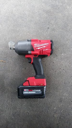 Milwaukee M18 Impact Wrench with 6.0 High Output Battery for Sale in Houston, TX