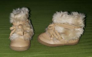 Baby Girl Boots size 4 for Sale in Houston, TX