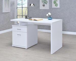 Desk for Sale in Hialeah, FL