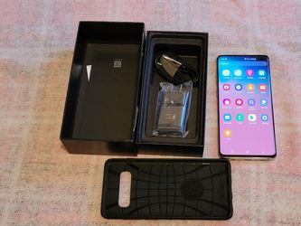 Samsung galaxy s10 Plus 128 Gigabytes In White prism color Unlocked for Any Carrier for Sale in Chicago,  IL