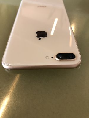 iPhone 8 Plus 64gb sprint gold sprint carrier for Sale in Kent, WA